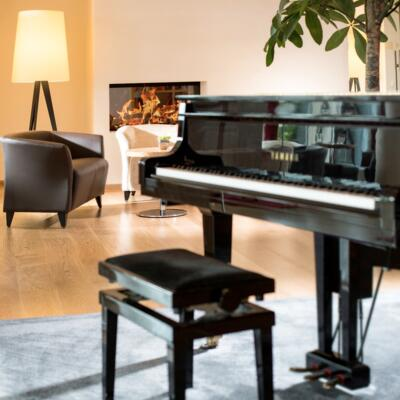 Thermal resort hotel in Austria: piano in the hotel bar