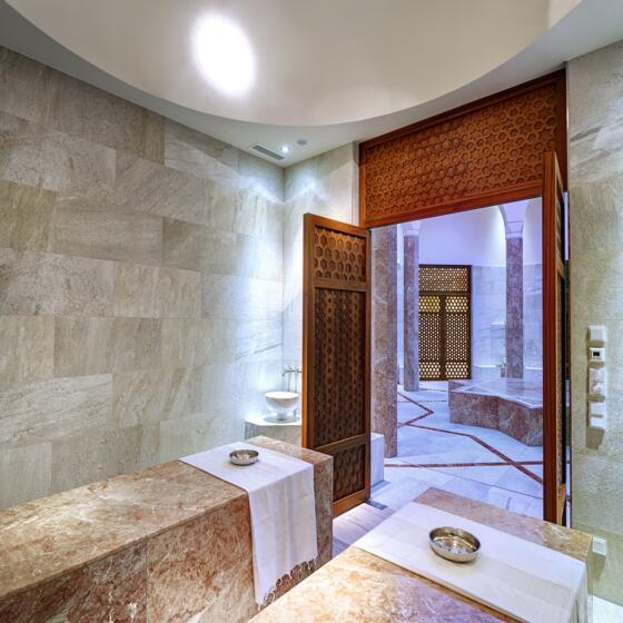 oriental spa world in der therme geinberg. Black Bedroom Furniture Sets. Home Design Ideas